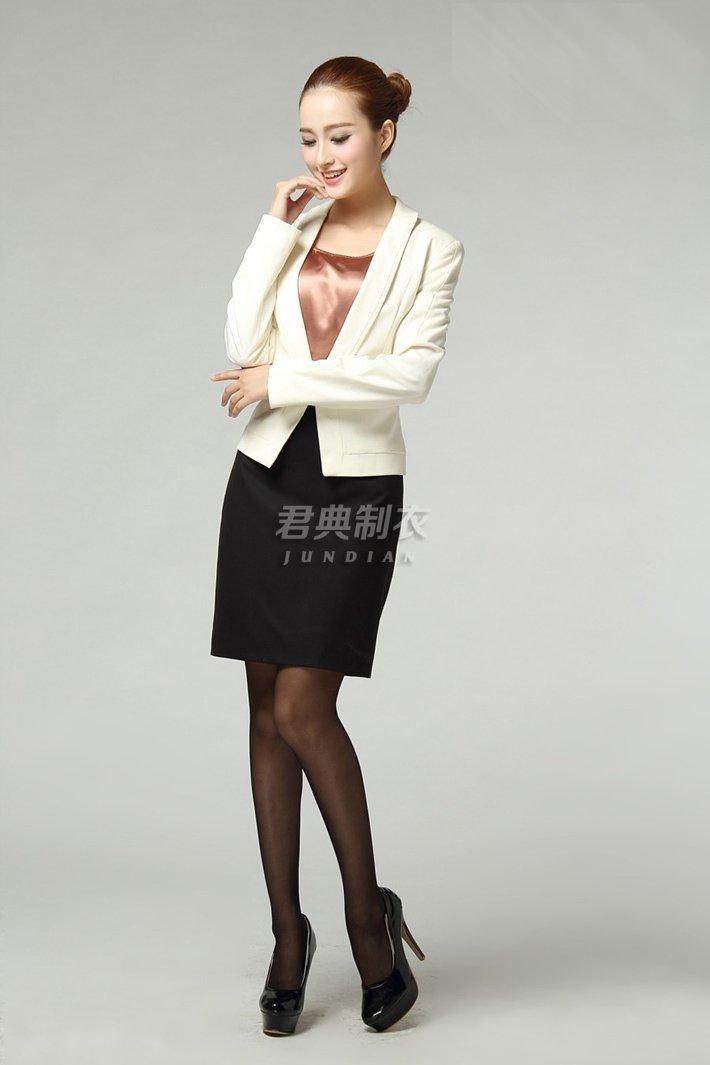 青岛女士西服5